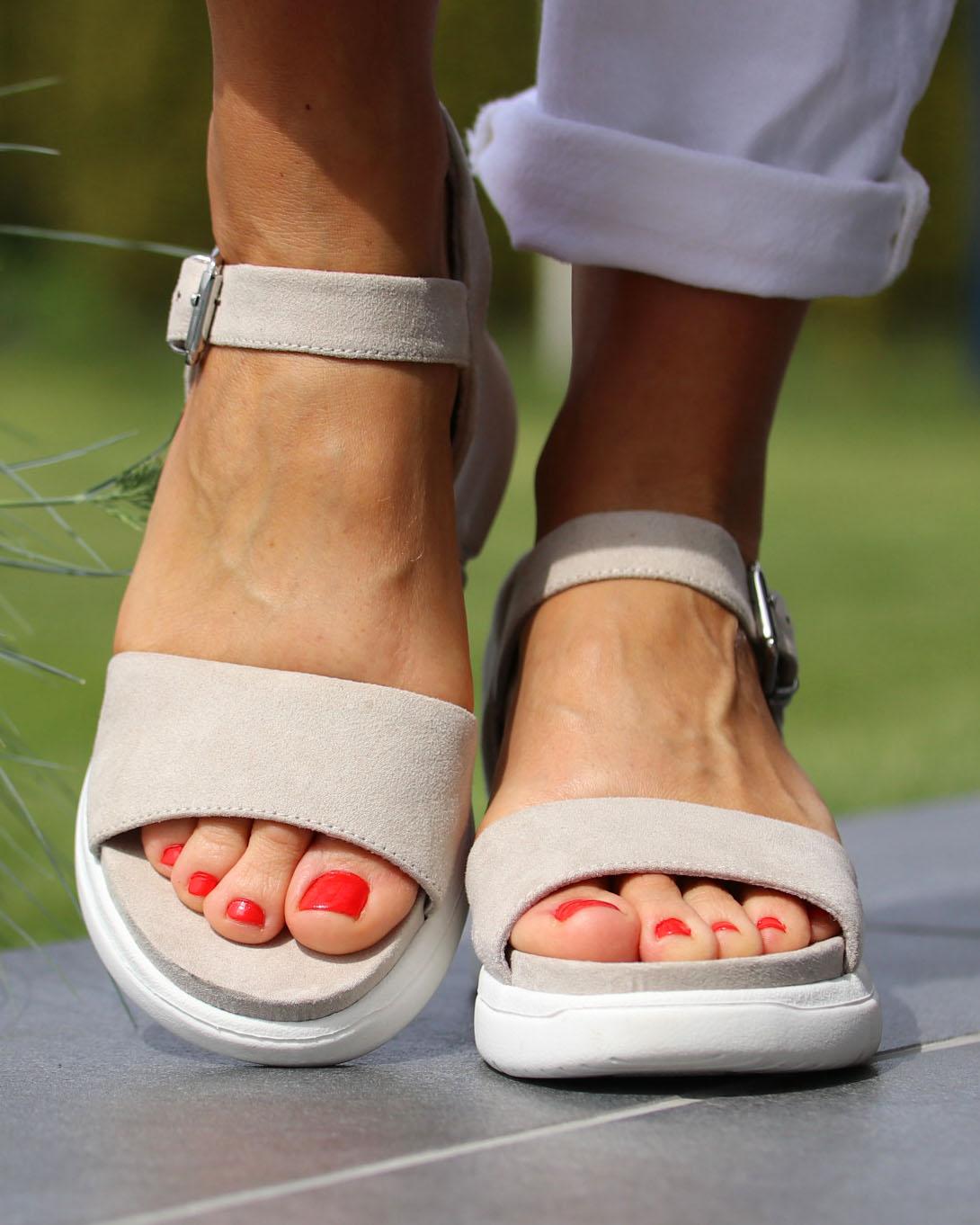 Beige Akkira sandals  Roberto Rosso  Sandaler - Sko Til Dame
